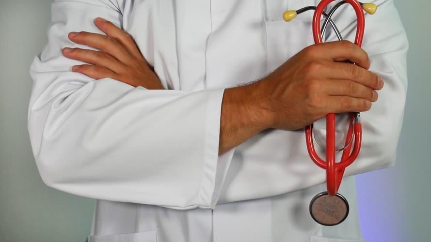 تخصص و مهارت پزشک در لیپوماتیک